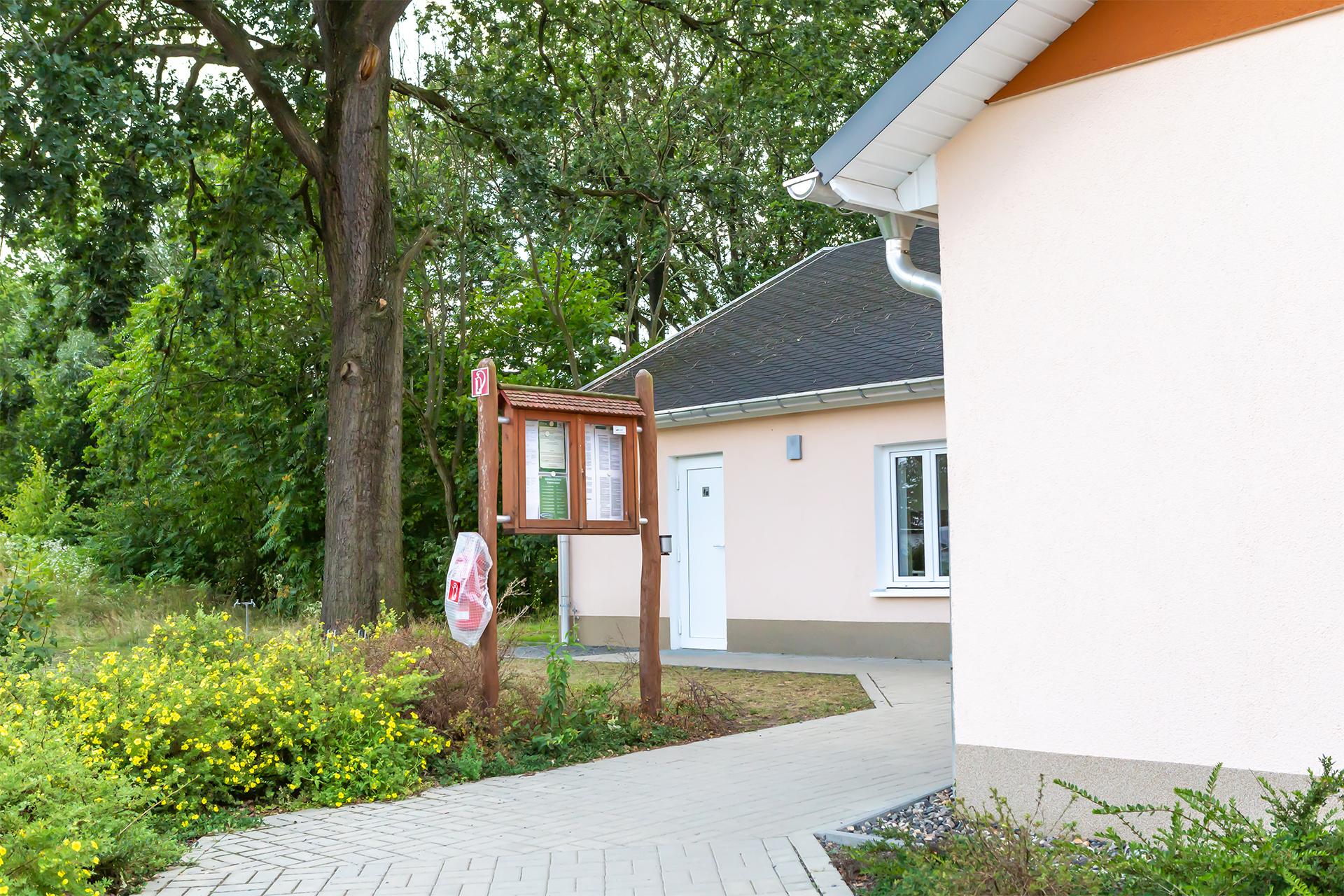 Campingplatz Pirna mit Sanitärgebäude