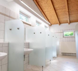 Waschraum in Sanitärgebäude 1 des Naturcampingplatz